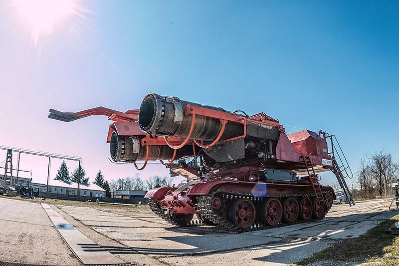 Maďaři kdysi spářili tank se stíhačkou. Ale z důvodů, které byste asi neuhodli: - fotka 5