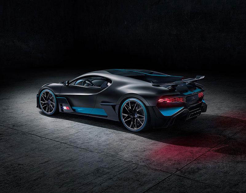 Nevešli jste se mezi 40 šťastlivců, kterým Bugatti prodá nové Divo? Nezoufejte, německý prodejce přichází s nadějí: - fotka 13