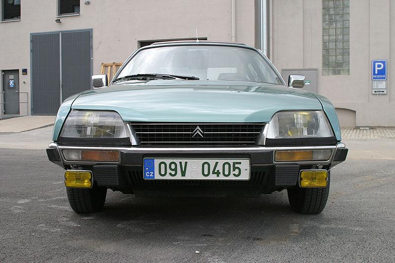 Řídili jsme CX 2400 GTi, podle mnohých poslední opravdový Citroën. Označení GTi u něj dost mate: - fotka 4