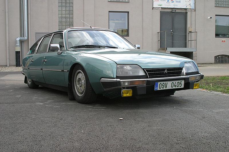 Řídili jsme CX 2400 GTi, podle mnohých poslední opravdový Citroën. Označení GTi u něj dost mate: - fotka 7