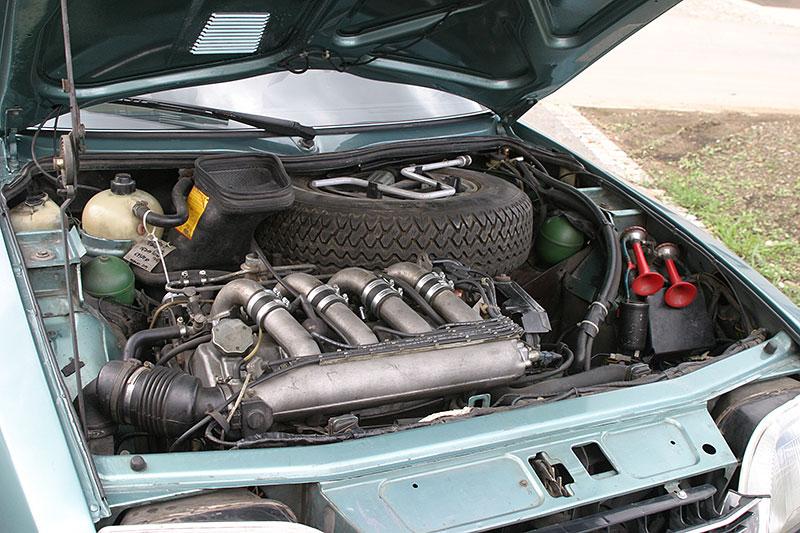 Řídili jsme CX 2400 GTi, podle mnohých poslední opravdový Citroën. Označení GTi u něj dost mate: - fotka 11