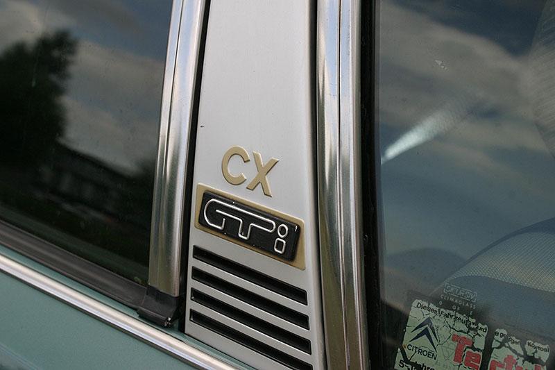 Řídili jsme CX 2400 GTi, podle mnohých poslední opravdový Citroën. Označení GTi u něj dost mate: - fotka 14