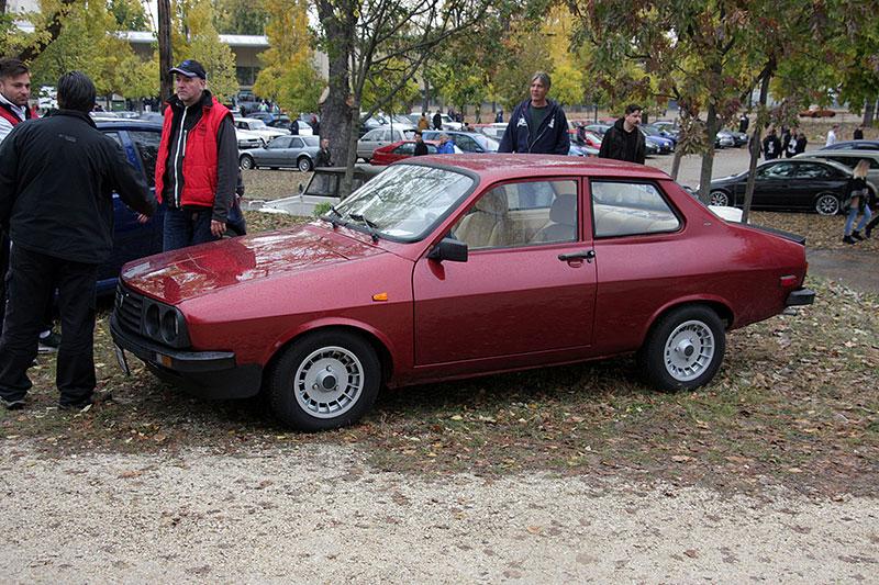 Dacia si za socialismu troufla i na sportovní kupé. Znáte model 1440 Sport?: - fotka 2
