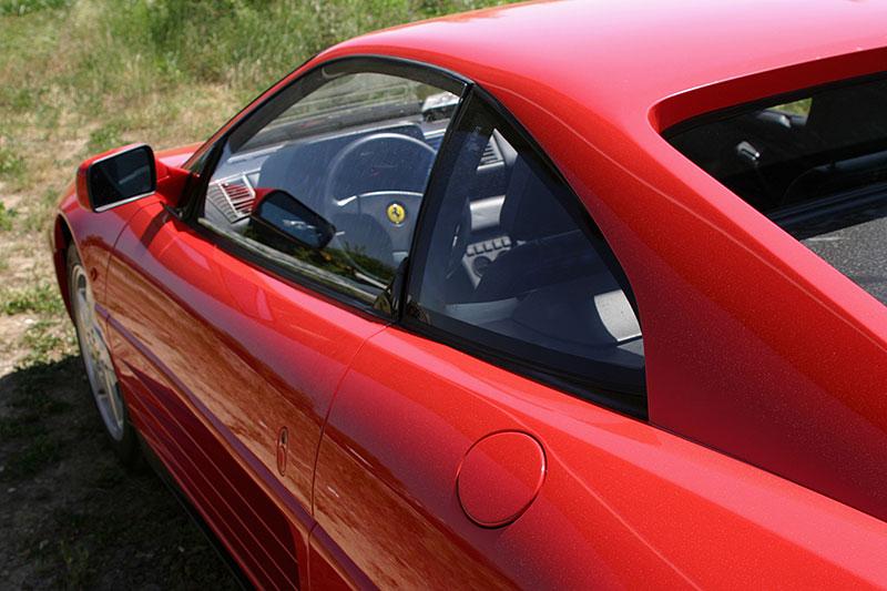 Řídili jsme Ferrari 348 TB, jeden z nejdostupnějších supersportů z Maranella. A bylo to boží!: - fotka 9