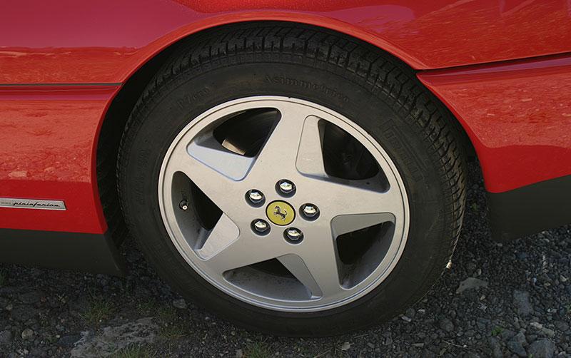 Řídili jsme Ferrari 348 TB, jeden z nejdostupnějších supersportů z Maranella. A bylo to boží!: - fotka 10