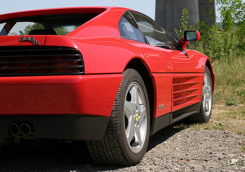 Řídili jsme Ferrari 348 TB, jeden z nejdostupnějších supersportů z Maranella. A bylo to boží!: - fotka 12