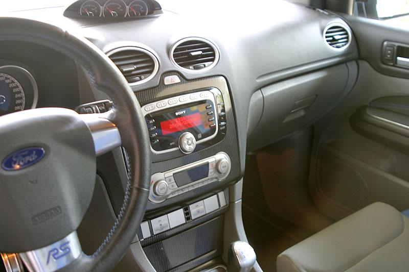 Řídili jsme Ford Focus RS druhé generace. Jeho pětiválec je pořád úchvatný: - fotka 2