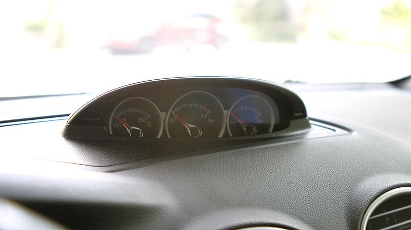 Řídili jsme Ford Focus RS druhé generace. Jeho pětiválec je pořád úchvatný: - fotka 4