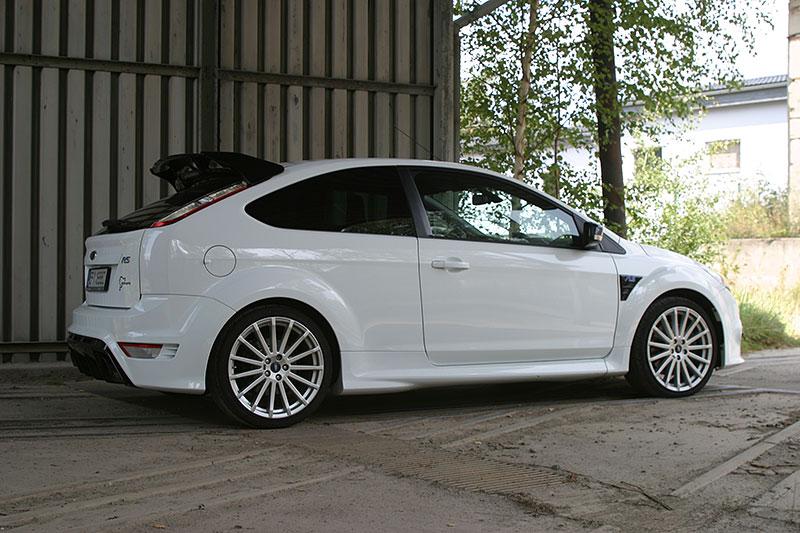 Řídili jsme Ford Focus RS druhé generace. Jeho pětiválec je pořád úchvatný: - fotka 11
