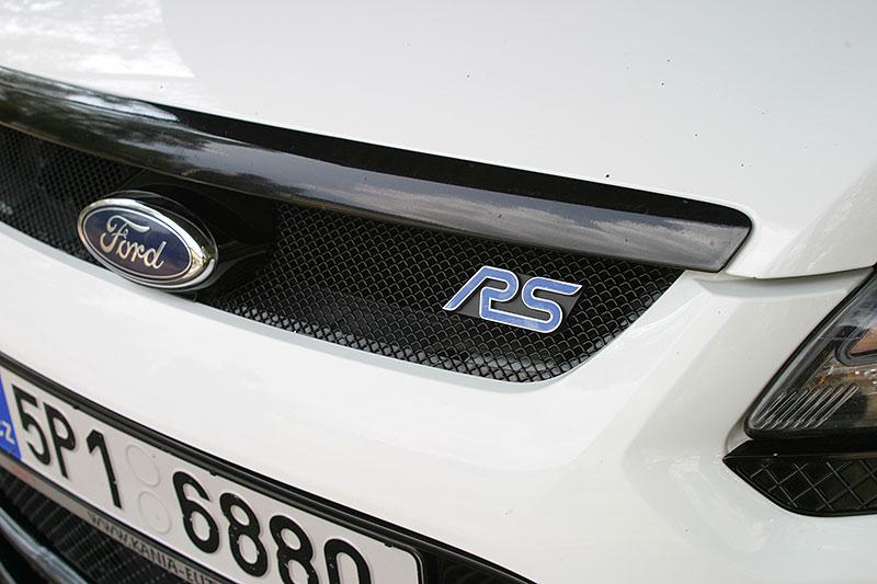 Řídili jsme Ford Focus RS druhé generace. Jeho pětiválec je pořád úchvatný: - fotka 16