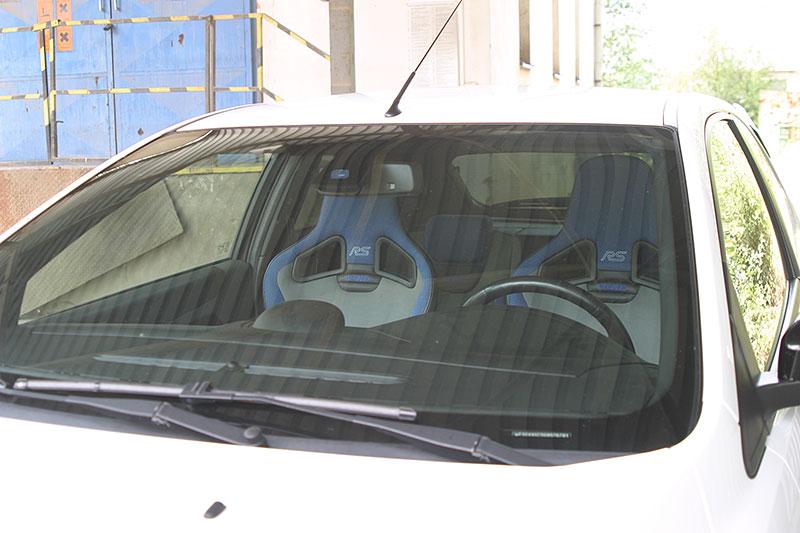 Řídili jsme Ford Focus RS druhé generace. Jeho pětiválec je pořád úchvatný: - fotka 17