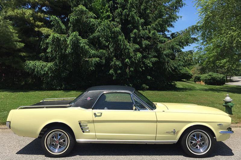 Už jste slyšeli o Fordu Mustero? Mustang s korbou skutečně existoval, vzniklo asi 50 exemplářů: - fotka 3