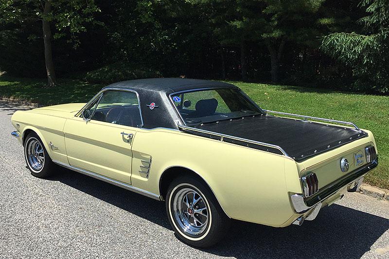 Už jste slyšeli o Fordu Mustero? Mustang s korbou skutečně existoval, vzniklo asi 50 exemplářů: - fotka 4