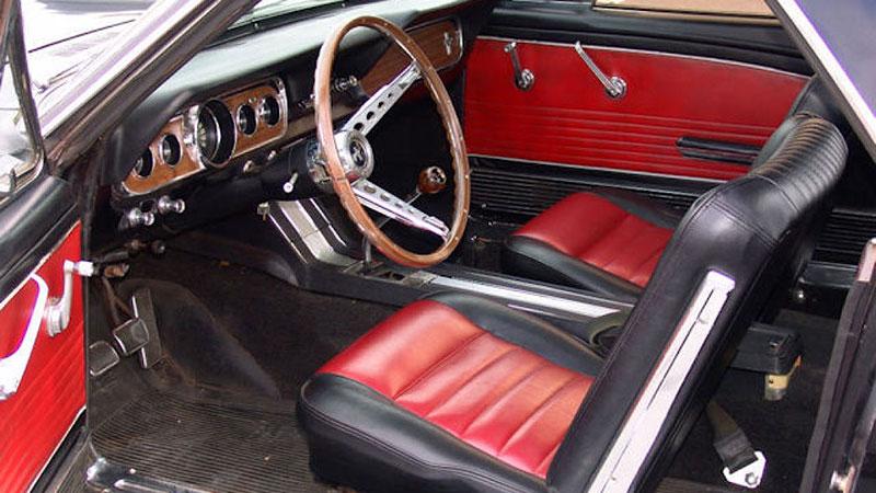 Už jste slyšeli o Fordu Mustero? Mustang s korbou skutečně existoval, vzniklo asi 50 exemplářů: - fotka 7