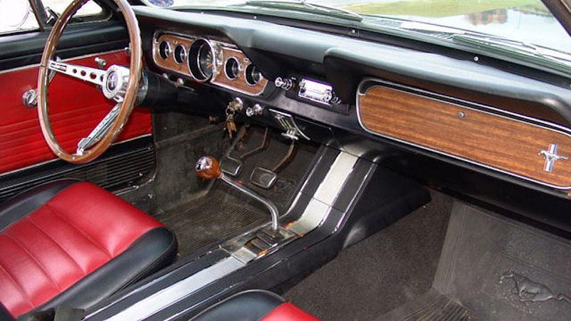 Už jste slyšeli o Fordu Mustero? Mustang s korbou skutečně existoval, vzniklo asi 50 exemplářů: - fotka 8