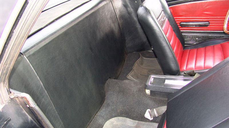 Už jste slyšeli o Fordu Mustero? Mustang s korbou skutečně existoval, vzniklo asi 50 exemplářů: - fotka 9