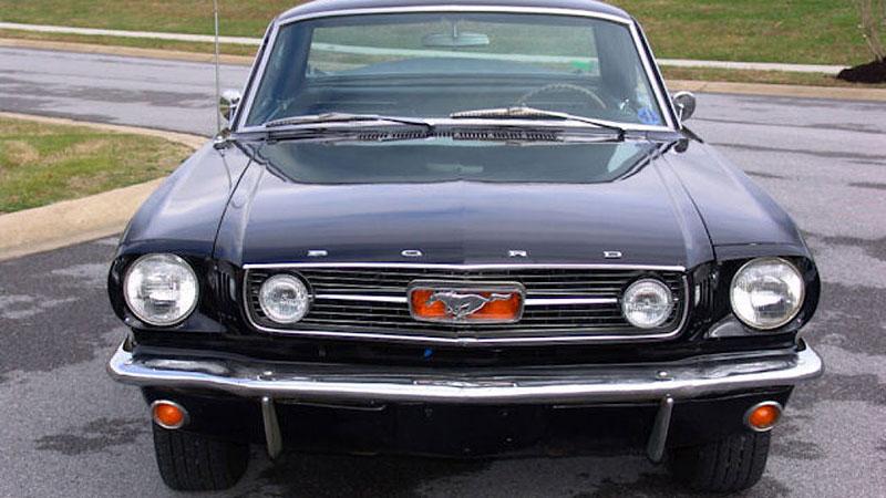 Už jste slyšeli o Fordu Mustero? Mustang s korbou skutečně existoval, vzniklo asi 50 exemplářů: - fotka 10