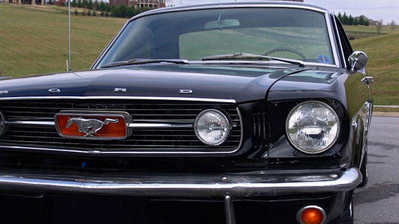Už jste slyšeli o Fordu Mustero? Mustang s korbou skutečně existoval, vzniklo asi 50 exemplářů: - fotka 21