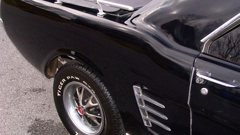 Už jste slyšeli o Fordu Mustero? Mustang s korbou skutečně existoval, vzniklo asi 50 exemplářů: - fotka 24