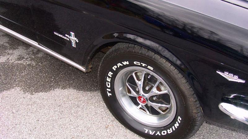 Už jste slyšeli o Fordu Mustero? Mustang s korbou skutečně existoval, vzniklo asi 50 exemplářů: - fotka 25