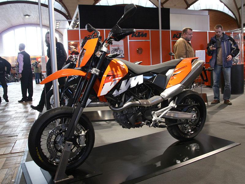 Motocykl 2008: informace a živé foto: - fotka 3