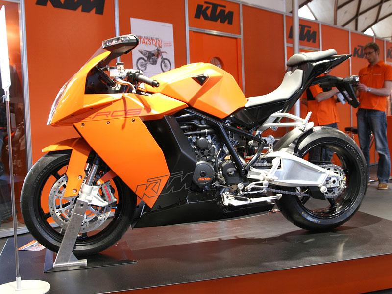 Motocykl 2008: informace a živé foto: - fotka 4