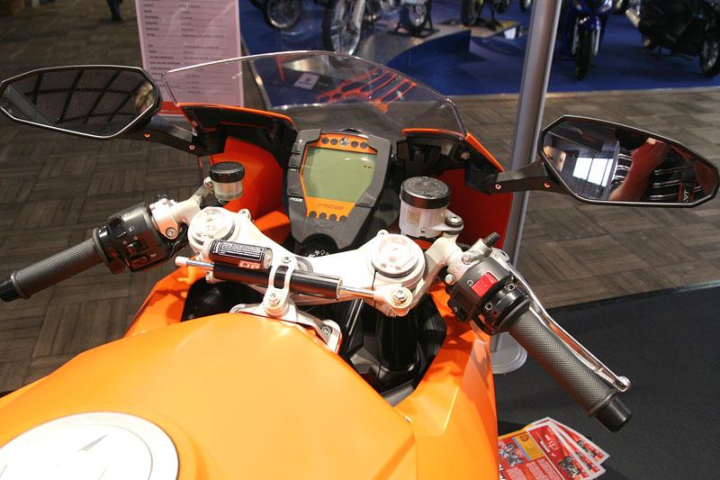 Motocykl 2008: informace a živé foto: - fotka 5