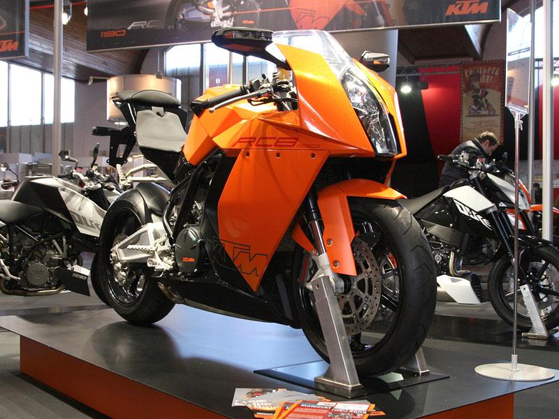 Motocykl 2008: informace a živé foto: - fotka 6