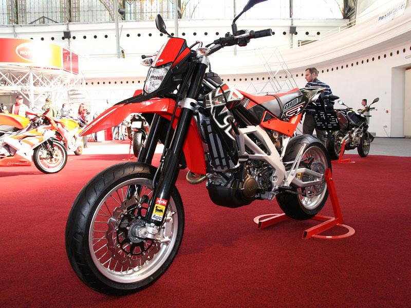 Motocykl 2008: informace a živé foto: - fotka 21