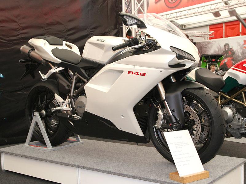 Motocykl 2008: informace a živé foto: - fotka 25