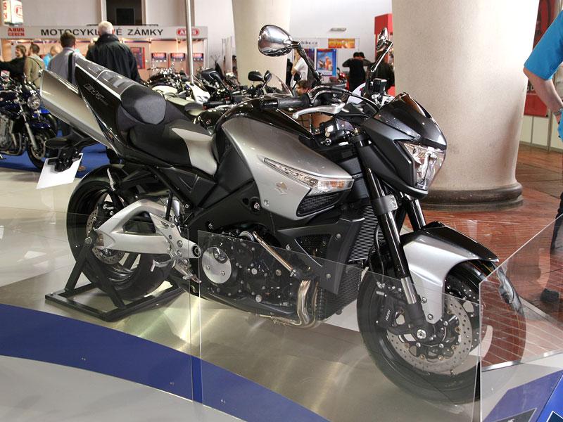 Motocykl 2008: informace a živé foto: - fotka 27