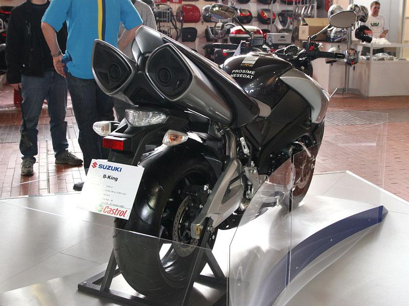 Motocykl 2008: informace a živé foto: - fotka 28