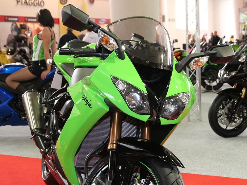 Motocykl 2008: informace a živé foto: - fotka 36