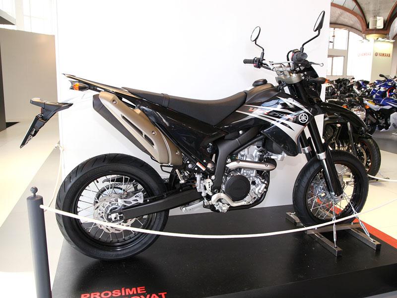 Motocykl 2008: informace a živé foto: - fotka 44