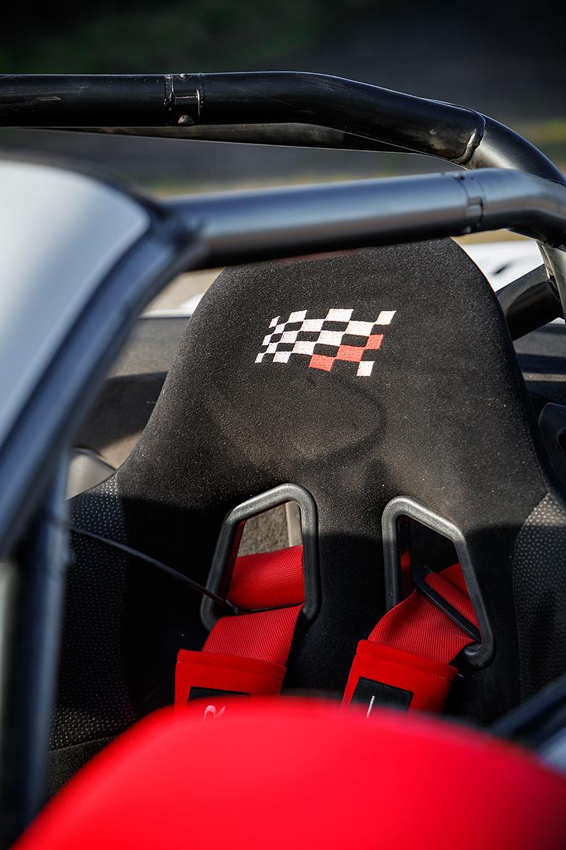 Jaguar postavil dva rallyové speciály. Z roadsteru F-Type: - fotka 3