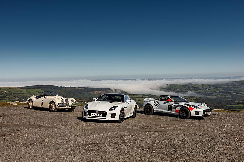 Jaguar postavil dva rallyové speciály. Z roadsteru F-Type: - fotka 16