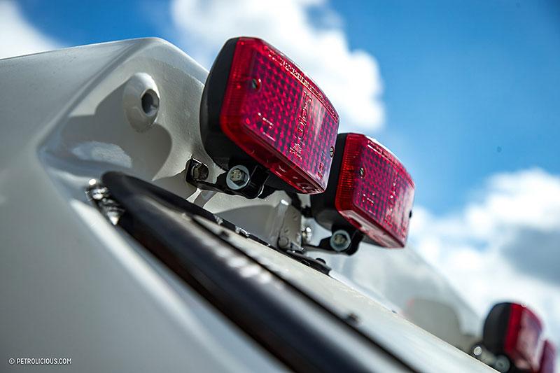 Věděli jste, že existuje Mercedes 560 SEC v terénní verzi? Startoval na Dakaru: - fotka 20