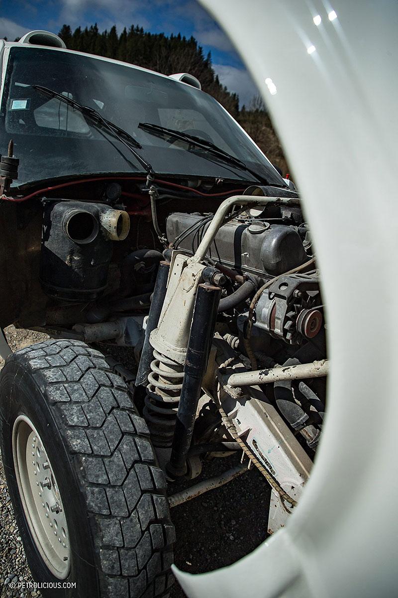 Věděli jste, že existuje Mercedes 560 SEC v terénní verzi? Startoval na Dakaru: - fotka 24