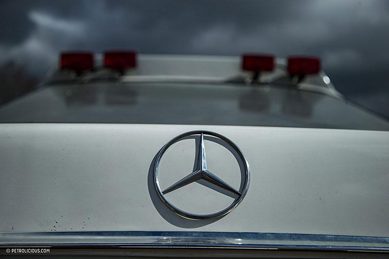 Věděli jste, že existuje Mercedes 560 SEC v terénní verzi? Startoval na Dakaru: - fotka 25