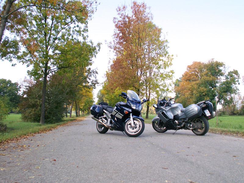 Dueltest - Yamaha FJR1300A vs. Kawasaki 1400GTR: - fotka 8
