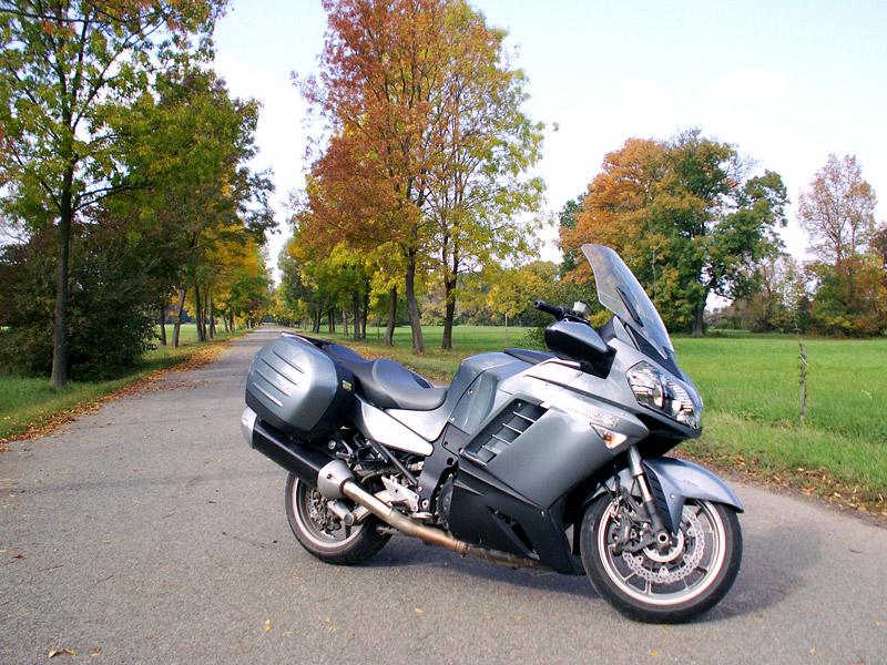 Dueltest - Yamaha FJR1300A vs. Kawasaki 1400GTR: - fotka 15