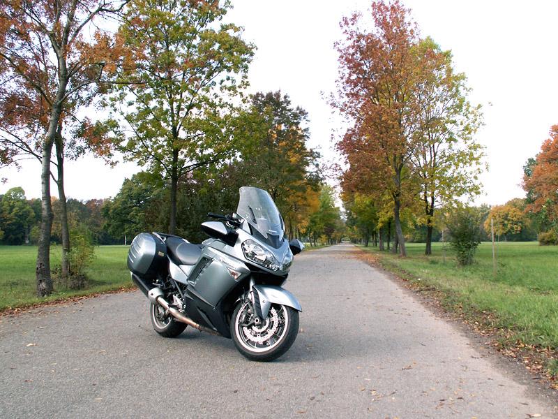 Dueltest - Yamaha FJR1300A vs. Kawasaki 1400GTR: - fotka 16
