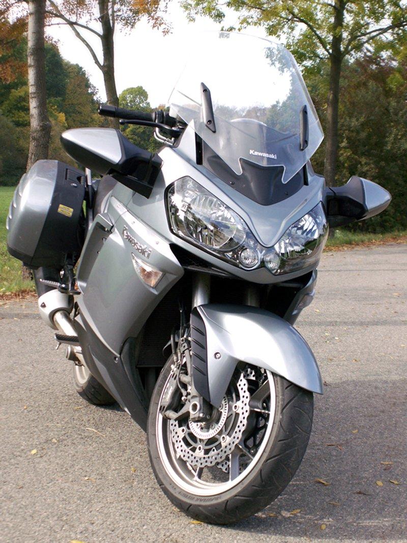 Dueltest - Yamaha FJR1300A vs. Kawasaki 1400GTR: - fotka 17