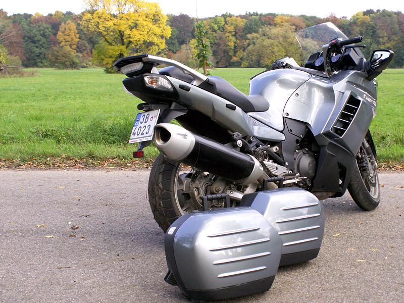 Dueltest - Yamaha FJR1300A vs. Kawasaki 1400GTR: - fotka 20