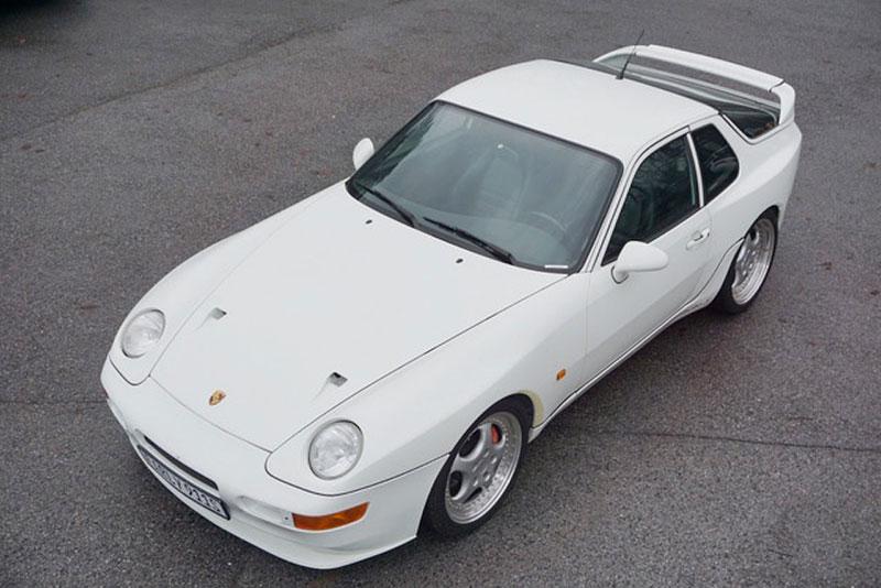 Na prodej je jedno zajímavé Porsche. A není to 911. O tomhle modelu jste možná ještě neslyšeli: - fotka 1