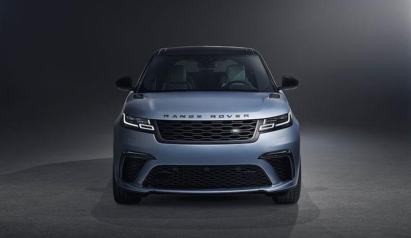 Range Rover Velar má novou vrcholnou verzi. Pohání ji osmiválec o výkonu 550 koní: - fotka 6