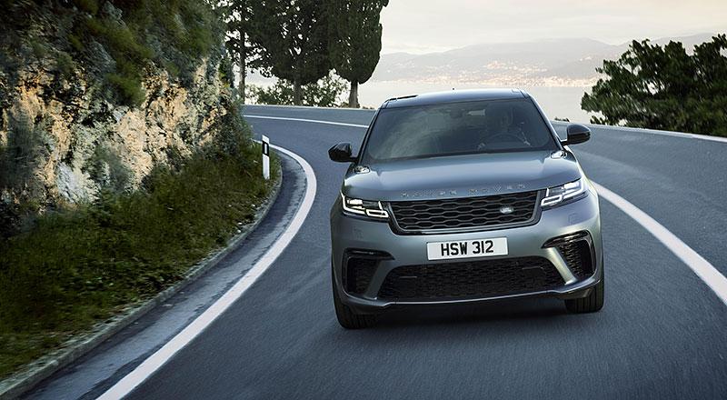 Range Rover Velar má novou vrcholnou verzi. Pohání ji osmiválec o výkonu 550 koní: - fotka 7