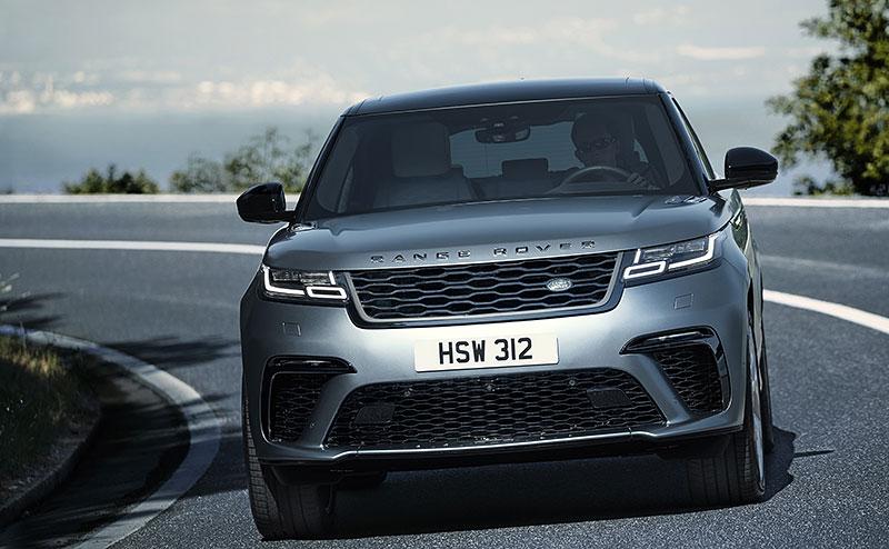 Range Rover Velar má novou vrcholnou verzi. Pohání ji osmiválec o výkonu 550 koní: - fotka 8