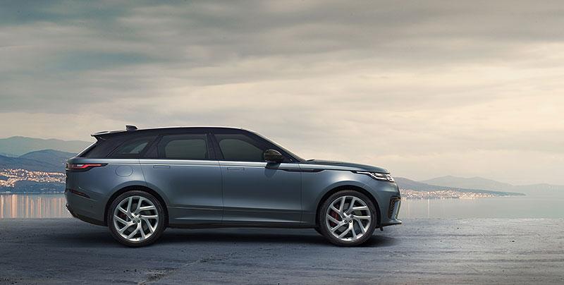 Range Rover Velar má novou vrcholnou verzi. Pohání ji osmiválec o výkonu 550 koní: - fotka 19