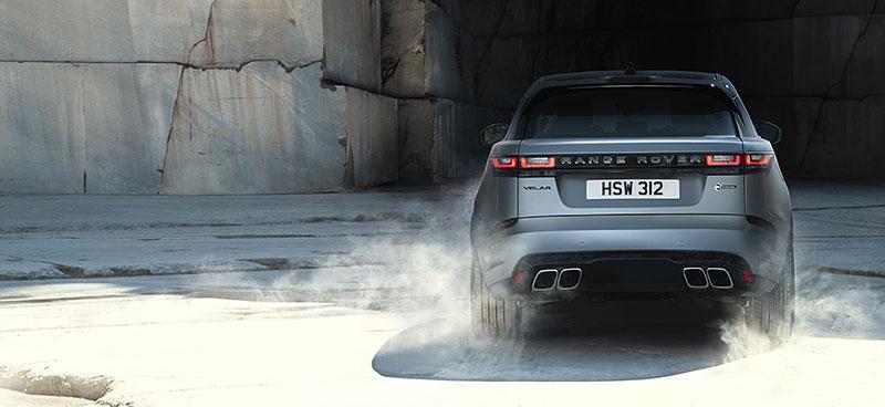 Range Rover Velar má novou vrcholnou verzi. Pohání ji osmiválec o výkonu 550 koní: - fotka 27